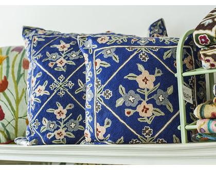 כרית קשמיר 60×60 כחולה עם פרחים