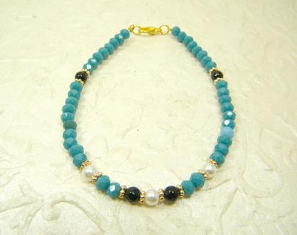 צמיד כחול לאישה | צמיד קריסטלים | צמיד אבני חן ופנינים | צמיד ליום יום | צמיד אבנים קטנות | מתנה לאישה