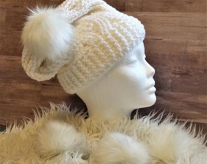 כובע סרוג לאשה פונפון לבן,אוברסייז