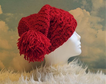 כובע סרוג לאשה פונפון אדום