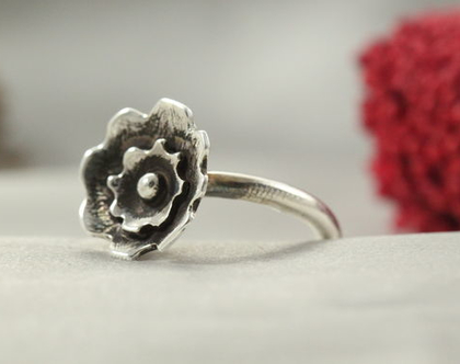 טבעת כסף 925 פרח עדין | טבעת כסף 925 | טבעת כסף 925 מיוחדת | טבעת מעוצבת | תכשיטים בעבודת יד | פרח מכסף 925 | מתנה לחברה