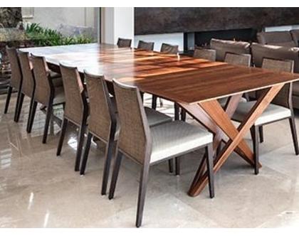 יוגב - שולחן אוכל מעוצב מאגוז אמריקאי