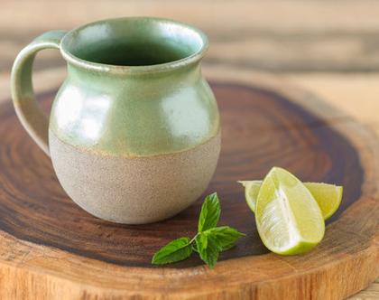 ספל קרמיקה ירוק, ספל לשתייה חמה, ספל קפה מקרמיקה, כוס קפה מקרמיקה, כוס תה, כוס מעוצבת מקרמיקה, מתנה מהממת, מתנה לחג (מיוצר לפי הזמנה)