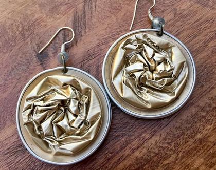 עגילים קאפס בצבע זהב בהיר