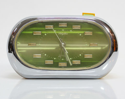 שעון מעורר יפני וינטאג׳, שעון מעורר צהוב, שעון מעורר וינטאג׳