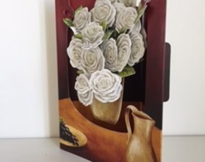 SC124 כרטיס ברכה אגרטל ורדים תלת מימד SANTORO