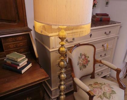 מנורת רצפה עגולה