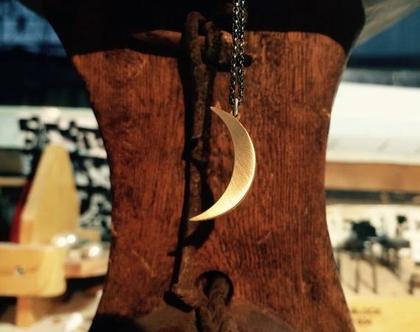 תליון ירח מזהב