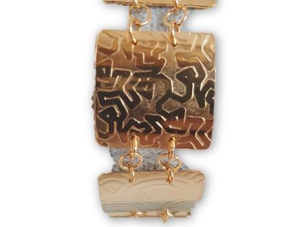 צמיד ריבועים צורות בציפוי זהב,צמיד זהב, צמיד מרובע, צמיד גיאומטרי, צמיד ייחודי, תכשיטים בעבודת יד, תכשיטי נשים, בשבילה, מתנה לאשה