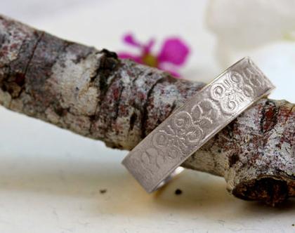 טבעת נישואין זהב לבן, טבעת נישואין 14K, טבעת נישואין מעוטרת, טבעת נישואין לאישה, טבעת נישואין מעוצבת, טבעת נישואים 18K,טבעת נישואים תחרה