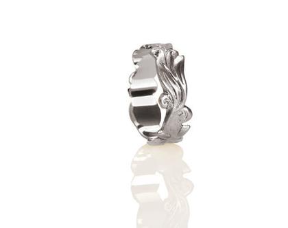 טבעת נישואין זהב לבן, טבעת נישואין עלים ופרחים, טבעת נישואין עדינה, טבעת זהב 14K, טבעת נישואין מיוחדת, טבעת נישואין לאישה, טבעת מעוצבת