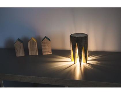 מנורה מיוחדת | מנורה צבעונית | מנורת עץ | מנורת אוירה |