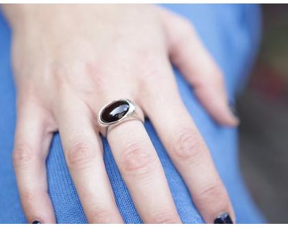 טבעת חותם מכסף 925 בשילוב גרנאט