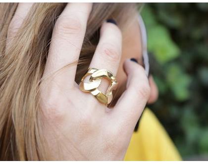 טבעת בשיבוץ ג'ספר עגולה בשיבוץ זהב
