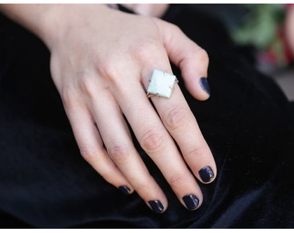 טבעת כסף925 מסולסלת בשיבוץ אבן טורכיז