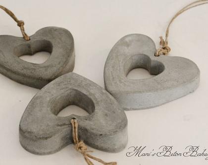 שלישיית לבבות | לב לתלייה | אקססוריז לתלייה על הקיר | מובייל לב | הום סטיילינג | עיצוב הבית