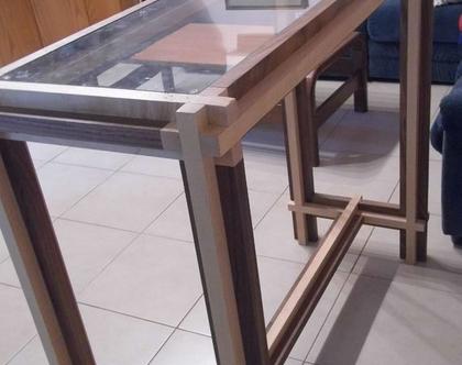 שולחן וכיסאות בר