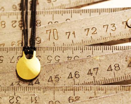 תליון זהב 14k על חוט כותנה שחור