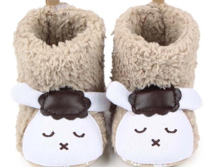 נעלי בית כבשה עם סקוצ' מאחורה לנעילה נוחה