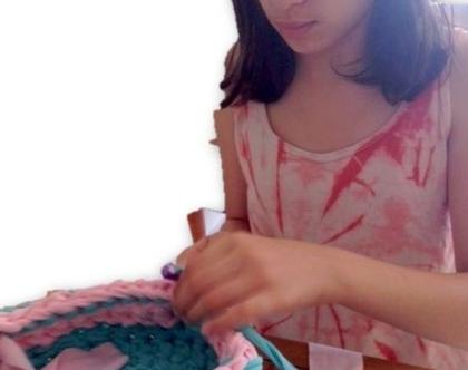 סדנה ללימוד הסריגה בחוטי טריקו | סדנת סריגה | סדנאות לגברים | זוגות | סדנה אישית | סדנה לחברות| סריגת שטיח