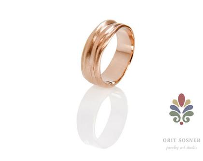 טבעת נישואין זהב אדום, טבעת נישואין גלים 18K, טבעת נישואין מיוחדת, טבעת נישואין מעוצבת , טבעת נישואין לאישה, טבעת נישואין לגבר, טבעת זהב