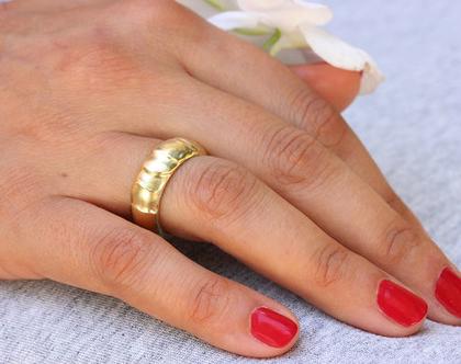 טבעת נישואין זהב צהוב 14K טבעת נישואין עבה, טבעת נישואין קלאסית, טבעת נישואין מעוצבת, טבעת נישואין ייחודית, טבעת נישואים לאישה