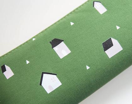 קלמר קנווס - בתים על ירוק