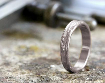 טבעת נישואין זהב לבן,טבעת נישואין גולמית, סט טבעות נישואין, טבעת נישואין ייחודית, טבעת זהב גולמית, טבעת נישואין לאישה, טבעת נישואין לגבר,