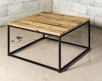 שולחן קפה בשילוב ברזל ועץ