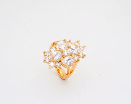 טבעת ערב ציפוי זהב בשילוב קריסטלים | טבעות גדולות | טבעת | טבעת לאישה | טבעת גדולה | טבעת ערב | טבעת לכלה | אבני סברובסקי | טבעת לאירוע |