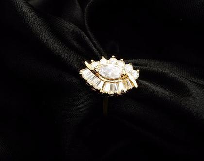 טבעת ערב זהב בשילוב קריסטלים | טבעות גדולות | טבעת | טבעת לאישה | טבעת גדולה | טבעת ערב | טבעת לכלה | אבני סברובסקי | טבעת לאירוע |