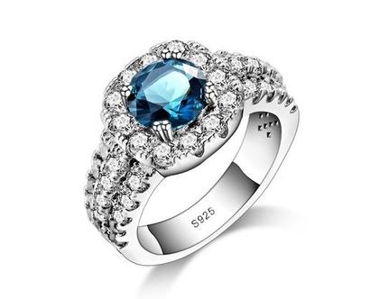 טבעת ערב כסף בשילוב קריסטלים ואבן | טבעות גדולות | טבעת | טבעת לאישה | טבעת גדולה | טבעת ערב | טבעת לכלה | אבני סברובסקי | טבעת לאירוע |