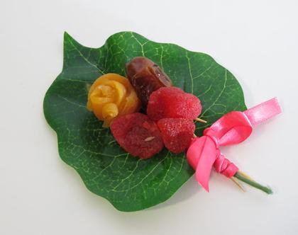 זר אישי קטן ומפנק משושני פירות יבשים