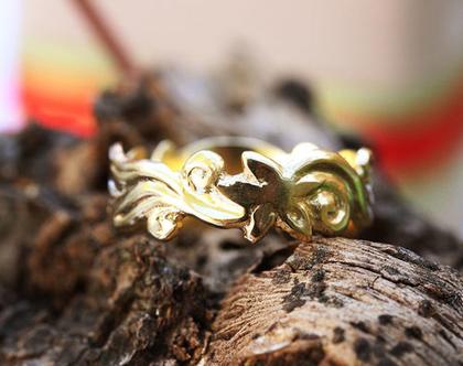 טבעת נישואין מעוטרת, טבעת זהב צהוב 18K, טבעת נישואין פרחים ועלים, טבעת נישואין עדינה, טבעת נישואים, טבעת נישואין מיוחדת, טבעת נישואין לאישה