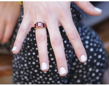 טבעת מעוצבת בשילוב רובי מצופה זהב, תכשיטי כלה, טבעות ייחודיות, טבעת עבודת יד, מתנה לאישה