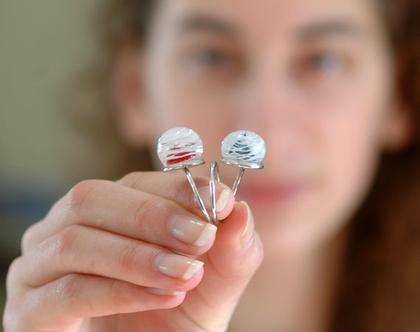 טבעת עם בלוני זכוכית שחור אדום שקוף