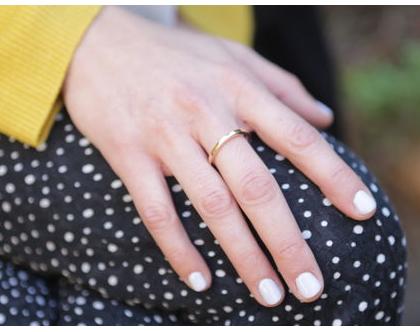 טבעת נישואין בחוט מרובע מזהב 14K