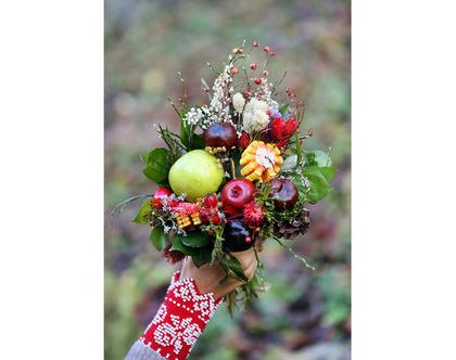 גלויה מצולמת. זר פרחים סתוי. פרינט מקורי. צילומים מקוריים. כריסמס. כרטיס ברכה לחורף. הדפס מקורי. זר פירות של סתיו.