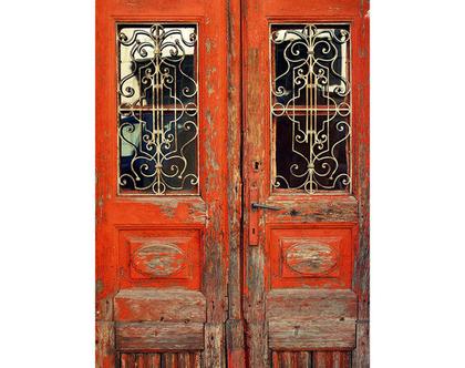 גלויה מצולמת. דלת אדומה עתיקה. דלת אדומה צילום. פרינט מקורי. צילומים מקוריים. כרטיס ברכה. הדפס מקורי. הדפס דלתות עתיקות.