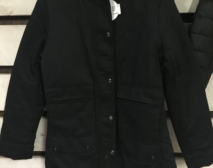 מעיל פוך שחור עם קפוצ'ון מתנתק וכיסים