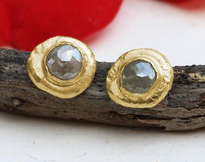 עגילי זהב צמודים, עגילי יהלום גולמי, עגילי זהב אמיתי, עגילים לכלה, עגילי זהב ייחודים, מתנה לאישה, עגילי יהלומים צמודים,עגילי זהב מעוצבים