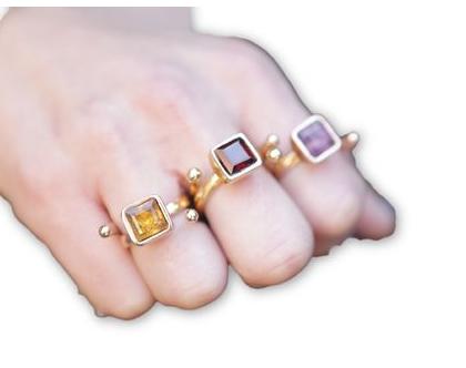 טבעת ספירל בשילוב סיטרין בציפוי זהב, טבעת זהב, טבעת משובצת, מתנה לאישה