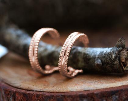 עגילי חישוק מזהב אדום, עגילי זהב קטנים, עגילים עדינים לאישה, עגילי זהב לכלה, עגילים חישוק ייחודים, עגיל זהב 18K, מתנה לאישה