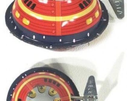 חלליות מעולם אחר בעיצוב כחול אדום