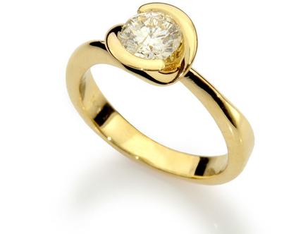 טבעת אירוסין CALLA LILY