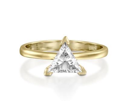 טבעת אירוסין יהלום משולש TOYA