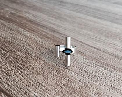 טבעת פתוחה| טבעת משובצת סברובסקי| טבעת צינורות| טבעת ציפוי כסף| טבעת מרקיזה שחורה| וואן סייז| טבעת גאומטרית| טבעת סטייטמנט