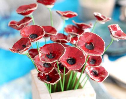 זר פרחים | פרחי קרמיקה | עיצוב הבית | עיצוב אירועים | פרחים מקרמיקה| עיצוב שולחן | פרחים אדומים | פרחים לשולחן | סידור פרחים