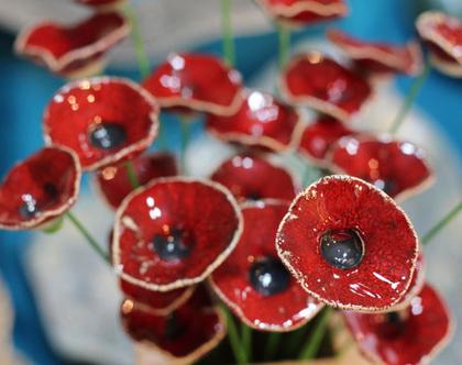 זר פרחים | פרחי קרמיקה | זר כלה | עיצוב אירועים | פרחים מקרמיקה| פרחים לשולחן | פרחים אדומים | מתנה לחג | סידור פרחים