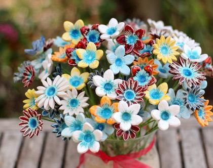 סידור פרחים | זר פרחים | פרחי קרמיקה | פרחים לאירוע | עיצוב אירועים | פרחים מקרמיקה | פרחים לשולחן | פרחים צבעוניים | מתנה לחג